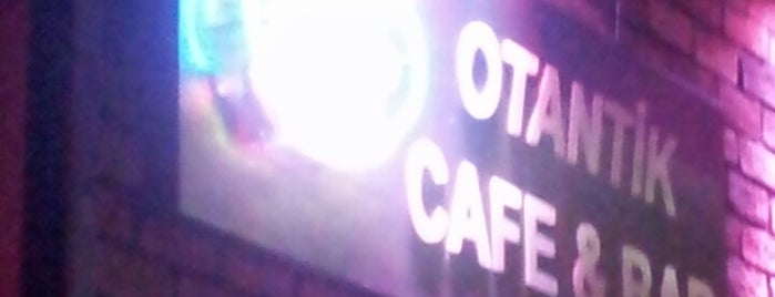 Otantik Cafe & Bar is one of Gece kulupleri.