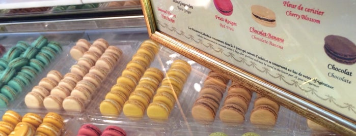 Ladurée is one of Lugares favoritos de Andrea.