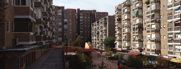 La Lonja de Moratalaz is one of Oscar 님이 좋아한 장소.