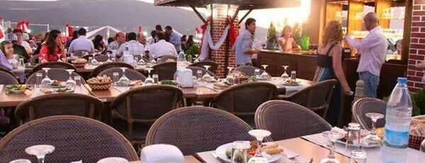 Petek Hotel Teras Cafe&Bar is one of สถานที่ที่ Damla ถูกใจ.