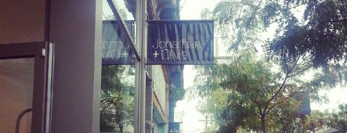 Jonathan & Olivia is one of Orte, die Mimi gefallen.