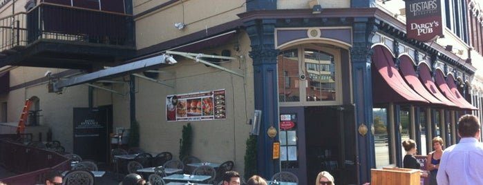 Darcy's Pub is one of Vancouver.