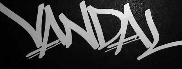 Vandal is one of Lieux qui ont plu à James.