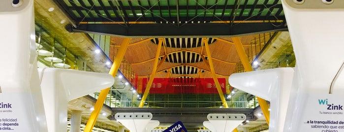 Aéroport Adolfo Suárez Madrid-Barajas (MAD) is one of Lieux qui ont plu à James.