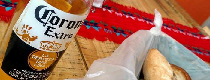 Tacos y Tortas Ahogadas Chaparro is one of Lieux qui ont plu à Diana.