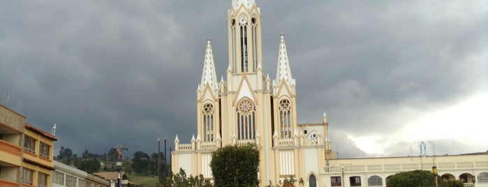 Toca is one of สถานที่ที่ Maria del Pilar ถูกใจ.