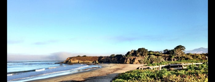 San Simeon State Beach is one of Lugares guardados de Lucretia.