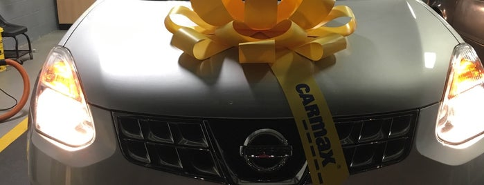 CarMax is one of Lugares favoritos de Latonia.