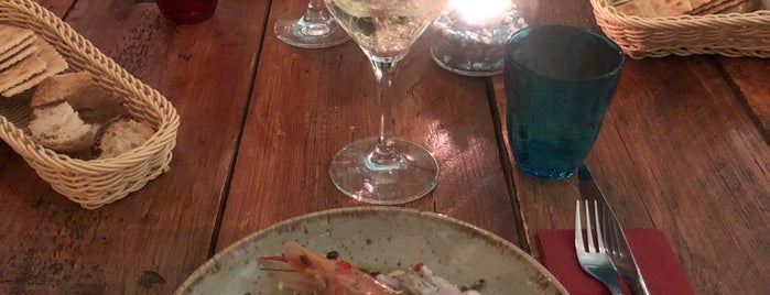 Antonello's Cevicheria & Street Food is one of Lugares favoritos de Katja.