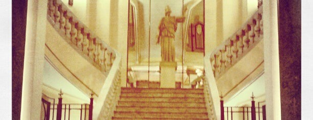 Círculo de Bellas Artes is one of Madrid de Guiri.