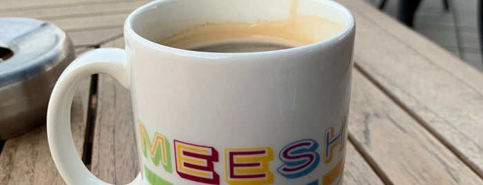 Meesh Me-Time Cafe is one of Lugares favoritos de ToonC.