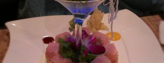 Fume Asian Grill & Sushi is one of Posti salvati di G.