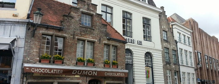 Chocolatier Dumon is one of Gault&Millau Chocolatiers Vlaanderen & Brussel.