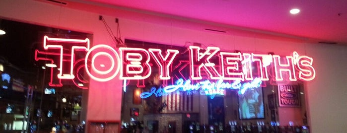 Toby Keith's I Love This Bar & Grill is one of Minhas diversões.