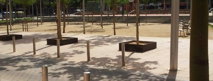 Plaza Garrigó is one of Posti che sono piaciuti a Helena.