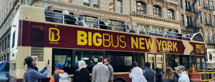 Big Bus Tours New York is one of Tempat yang Disukai David.