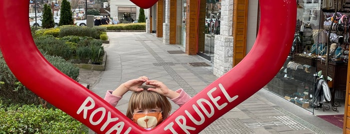 Royal Trudel is one of Gramado.