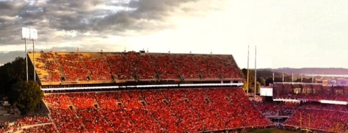 Frank Howard Field at Clemson Memorial Stadium is one of Locais curtidos por Andy.