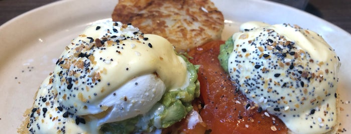 Snooze, an A.M. Eatery is one of Posti che sono piaciuti a Tania.