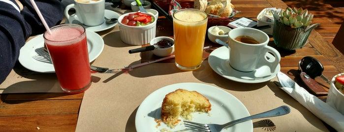 Veleta Café is one of Heloisa'nın Beğendiği Mekanlar.