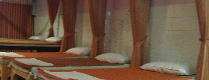 Five Stars Massage is one of Lieux sauvegardés par Olga.