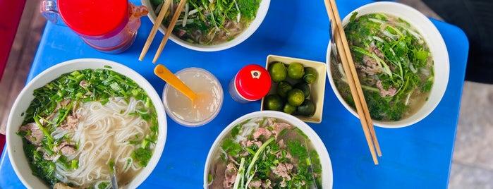 Phở Hạnh (Nộm Gà Phố Cổ) is one of Hanoi.