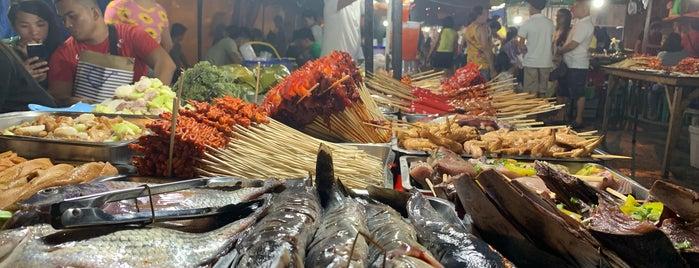 Roxas Night Market is one of Locais curtidos por Danny.