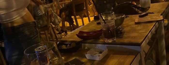 Cosy Pub is one of Lugares favoritos de Mehmet Ali.
