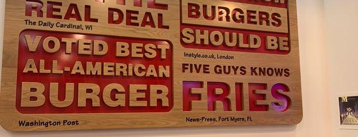 Five Guys is one of Lieux qui ont plu à LuLu.