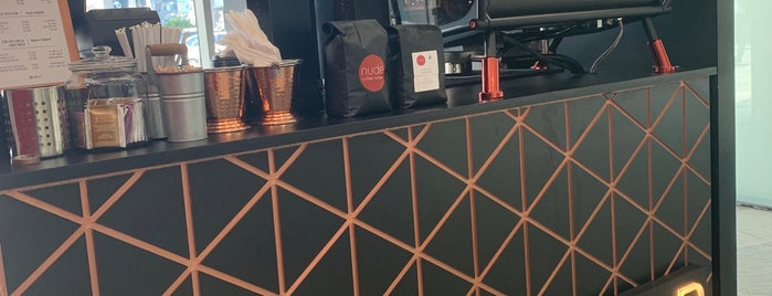 Amp Coffee Bar is one of Lieux qui ont plu à Yousif.