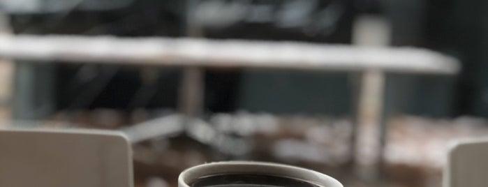 Versus Coffee is one of Ozge'nin Kaydettiği Mekanlar.
