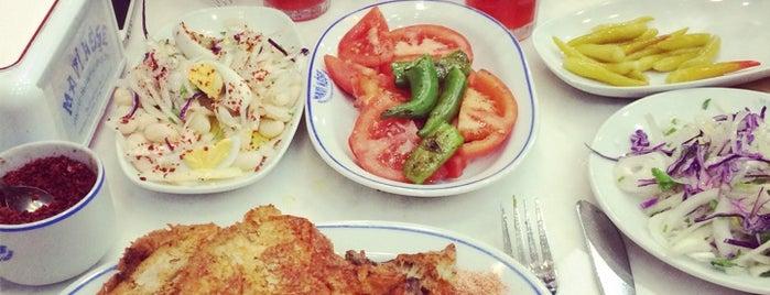 Mavi Köşe Arnavut Bayram'ın Yeri is one of Yemek.