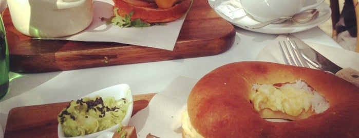 Brunch & Cake is one of Barcelona's Brunches (TimeOut).