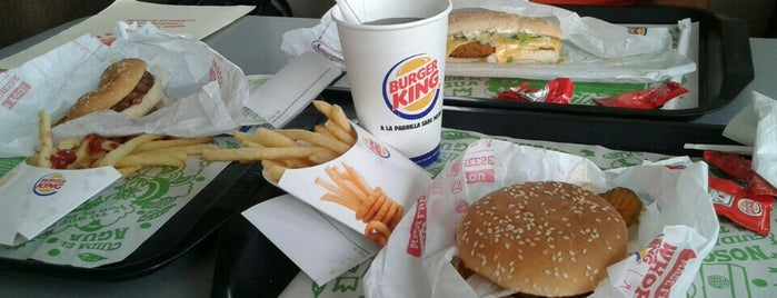 BURGER KING SENDERO is one of Locais curtidos por Elva.