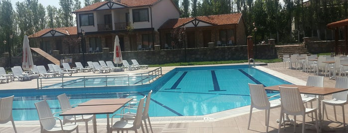 Gölköy Yaşam Resort is one of Locais curtidos por Mehmet.