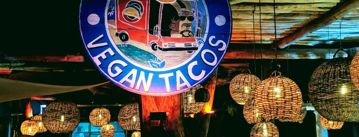 Charly´s Vegan Tacos is one of Giulianaさんのお気に入りスポット.