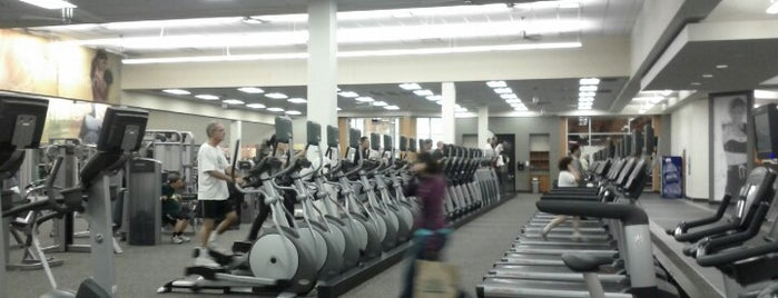 LA Fitness is one of Seanさんのお気に入りスポット.