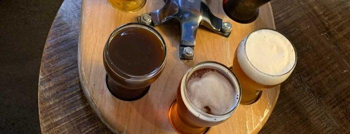 Catalina Brewing Company is one of Lugares favoritos de Ben.