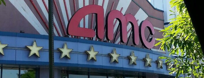 AMC Owings Mills 17 is one of Jamal 님이 좋아한 장소.