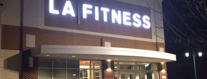 LA Fitness is one of Locais curtidos por Chris.