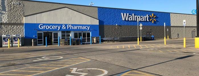 Walmart Supercenter is one of Posti che sono piaciuti a Nik.