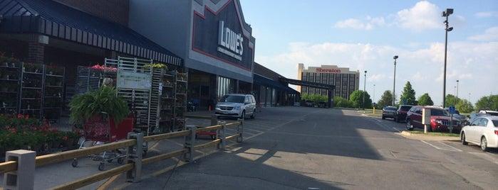 Lowe's is one of สถานที่ที่ Brian ถูกใจ.