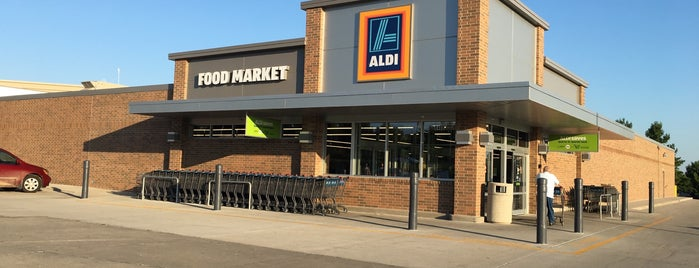 Aldi is one of Michaelさんのお気に入りスポット.