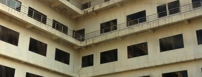 โรงแรม CL อ่างทอง is one of Middle East.