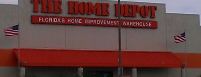 The Home Depot is one of Locais curtidos por Ishka.