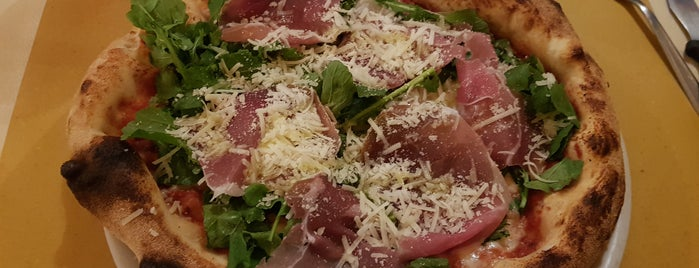 Pizzeria Funiculà is one of Pisa.