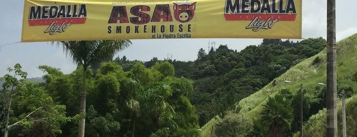 ASAO Smokehouse at La Piedra Escrita is one of Lugares favoritos de Sean.