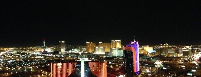 Moon Nightclub is one of Best clubs in Vegas.