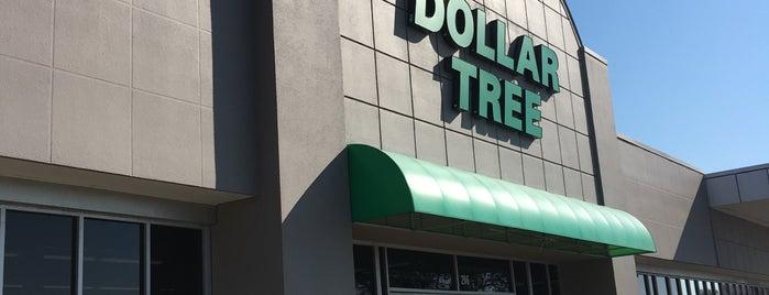 Dollar Tree is one of Tempat yang Disukai Dawn.