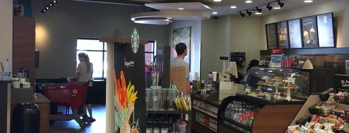 Starbucks is one of สถานที่ที่ Betsy ถูกใจ.